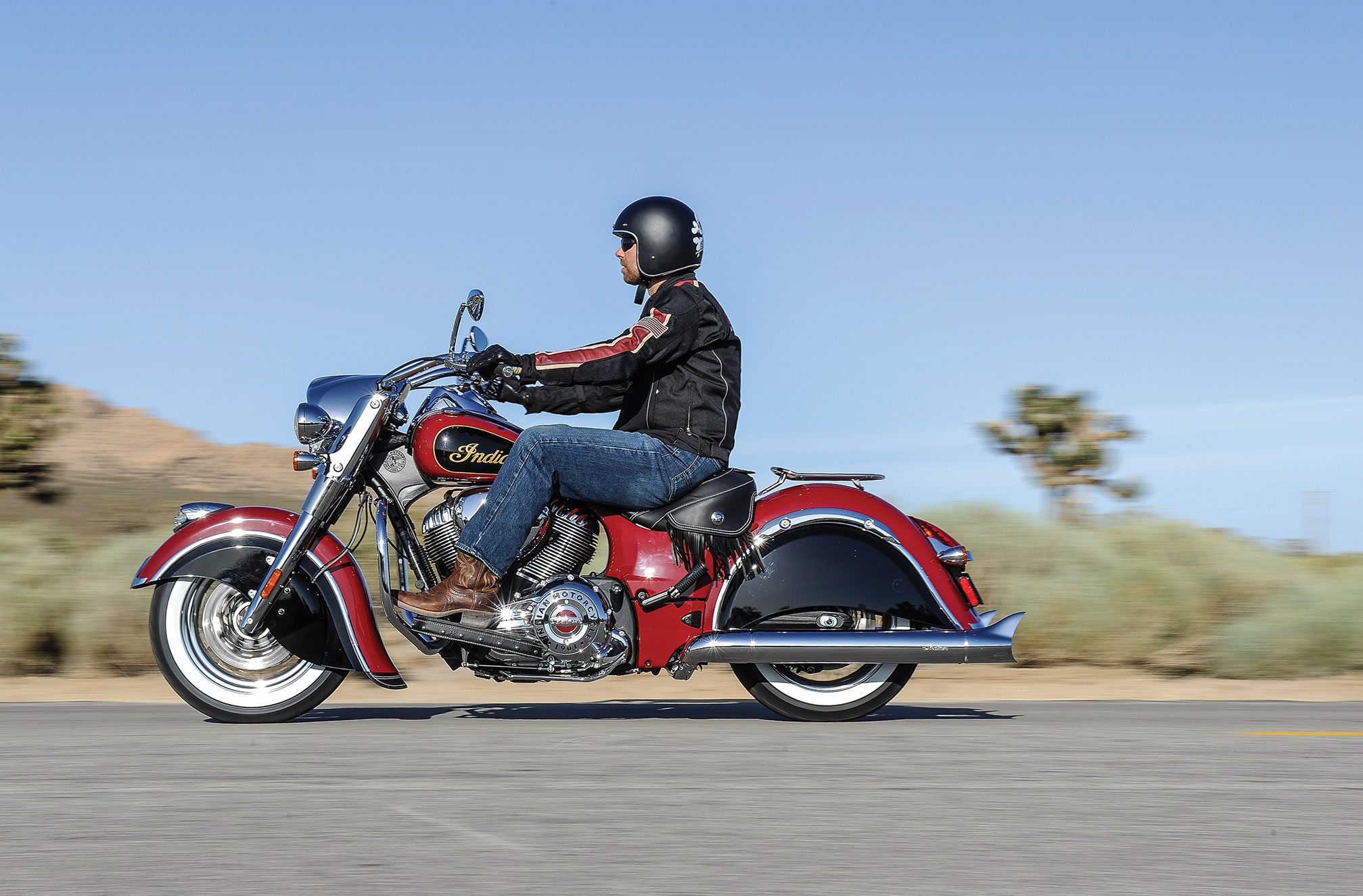 pc wallpaper Indian Chief Classic 2015 Red and Black Color