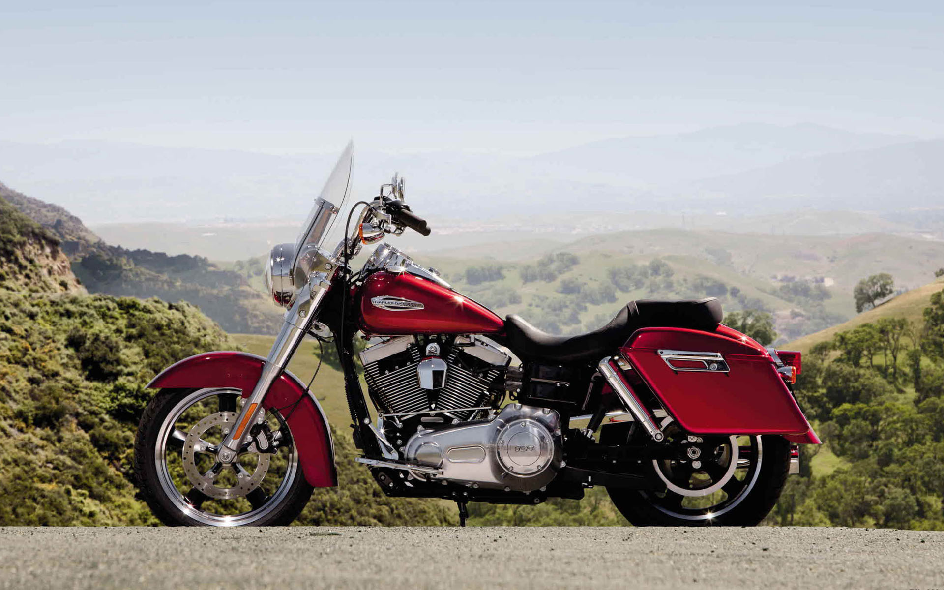 pc wallpaper Harley-Davidson FLD Switchback 1920x1200