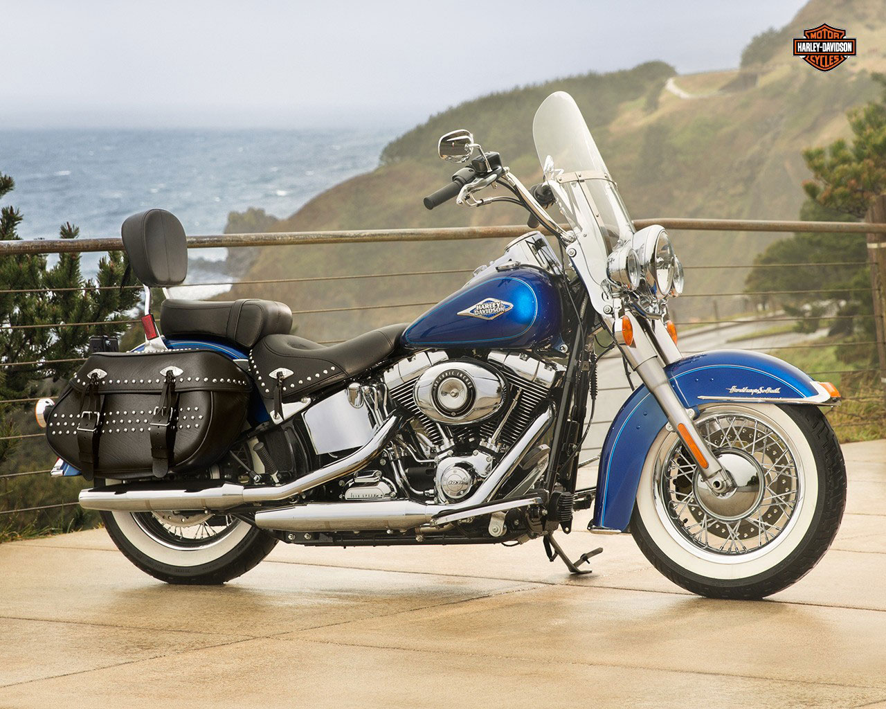 pc wallpaper Harley-Davidson FLSTC Heritage Softail Classic 2015